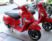 VESPA GTS 300 super new